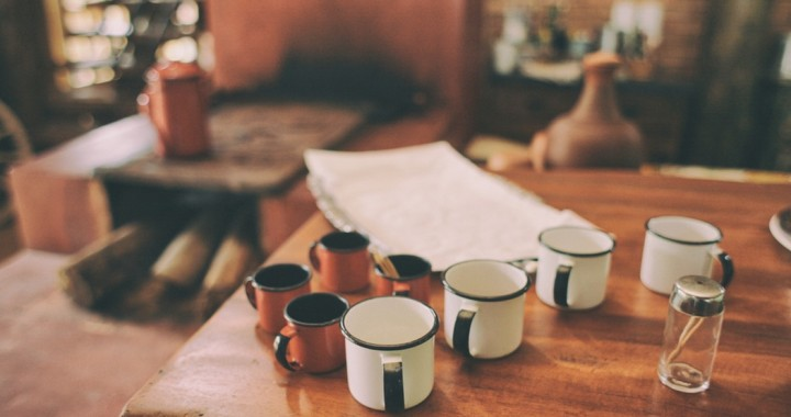 tablecoffeecups