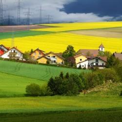 fields-701557_1920